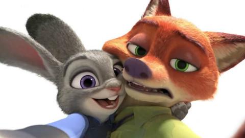 【漫评】疯狂动物城,为什么我们会对一只兔子和狐狸